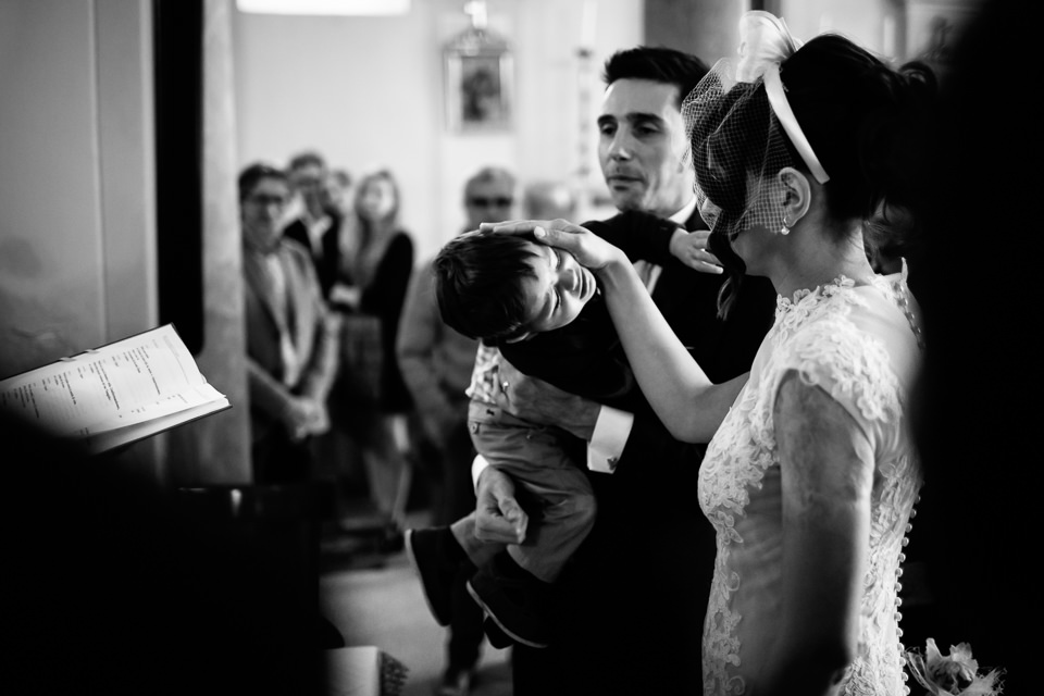 battesimo bambino durante matrimonio