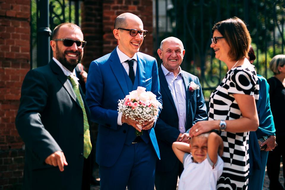 sposo con gli occhiali