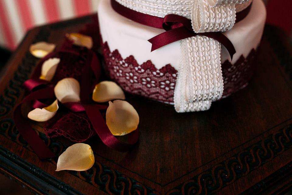 petali gialli per un matrimonio autunnale nel monferrato