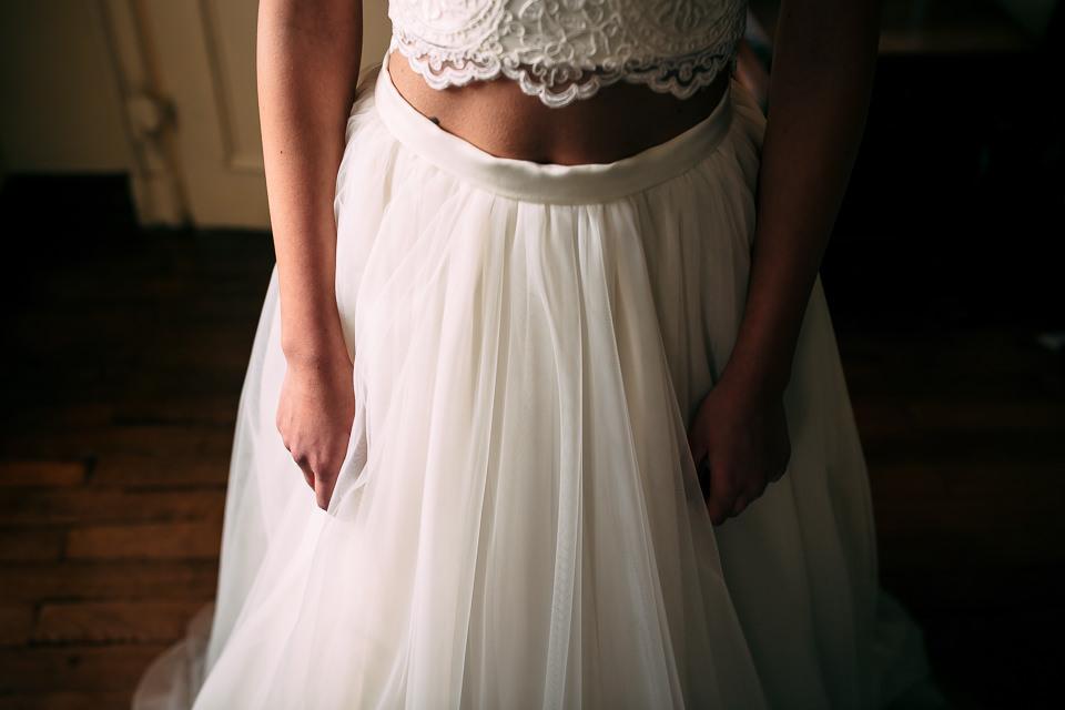 abito da sposa spezzato bianco, gonna e top