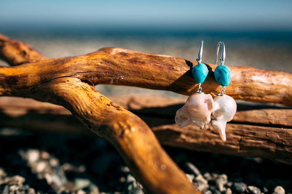 orecchini per un matrimonio in stile mare di conchiglia e smeraldo