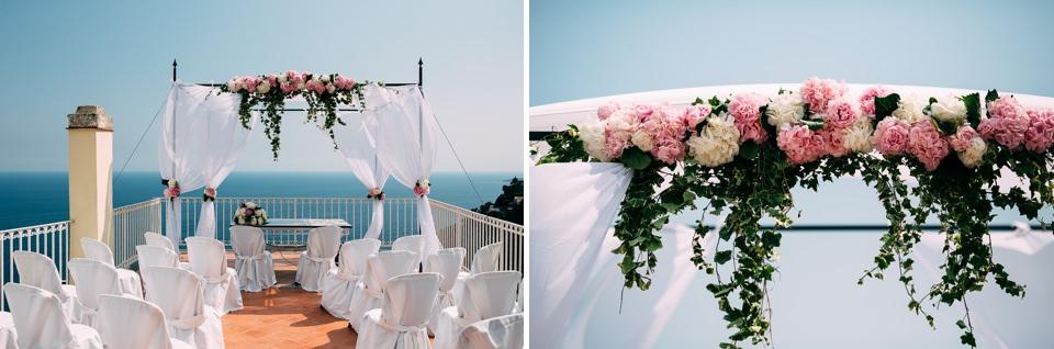 allestimento floreale posaflora Positano per matrimonio in rose bianche e rosa
