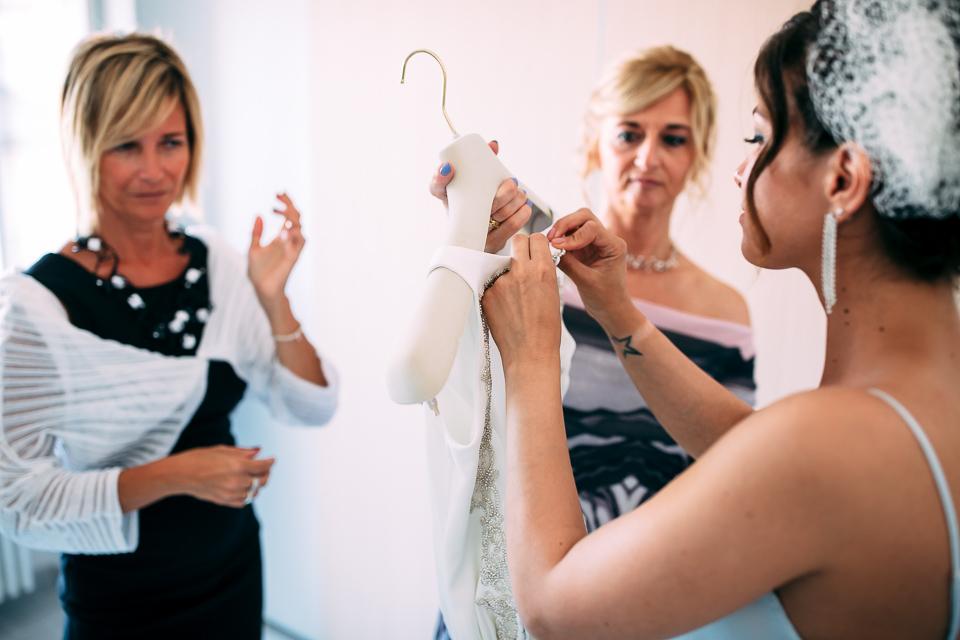 abito da sposa bianco a tubino nicole spose