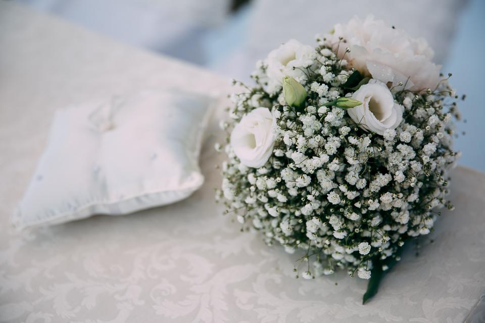 il bouquet della sposa in rose bianche cà de sciua