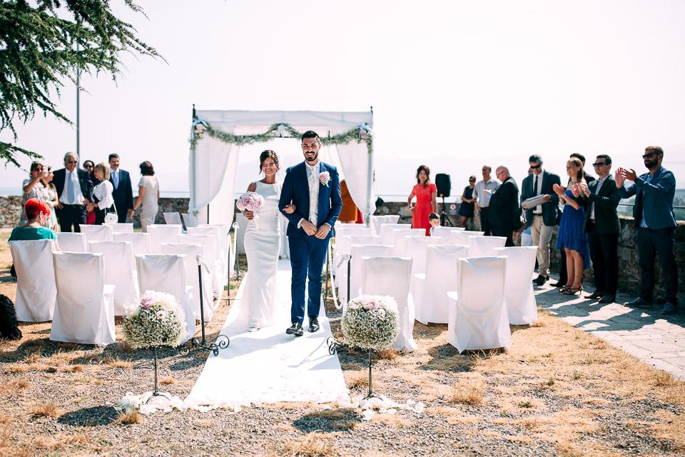 distinto matrimonio all'aperto alla fortezza del priamar di savona