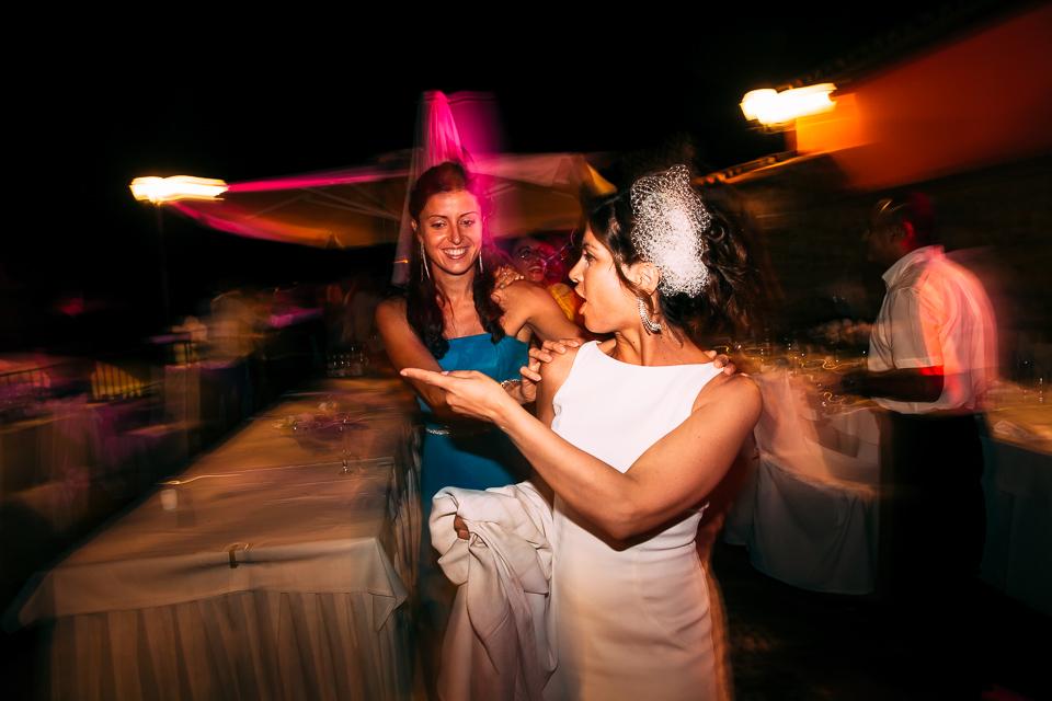la sposa fa il trenino al paradiso di manu