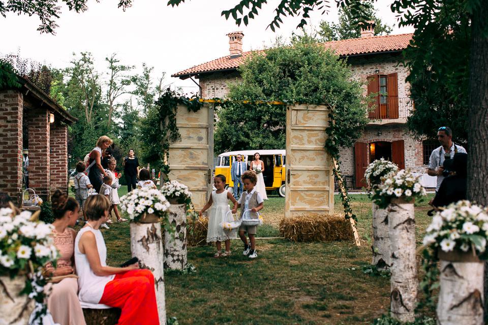 arrivo della sposa a cascina stralla farigliano