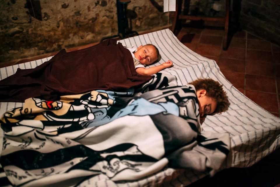 bambini che dormono cascina stralla