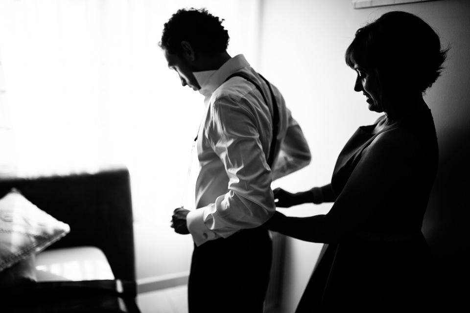 lo sposo con le bretelle