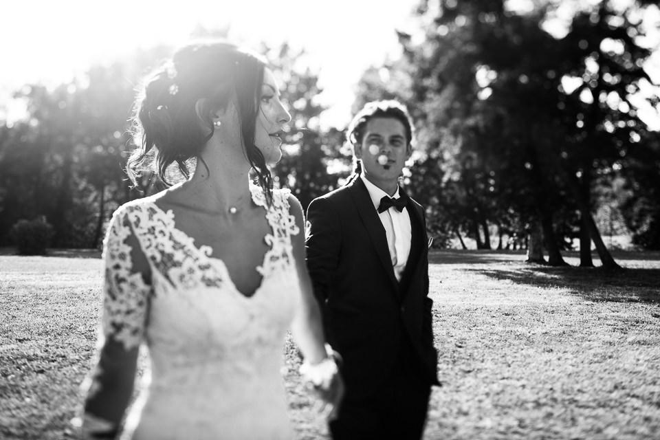 sposi nel parco di villa Scati