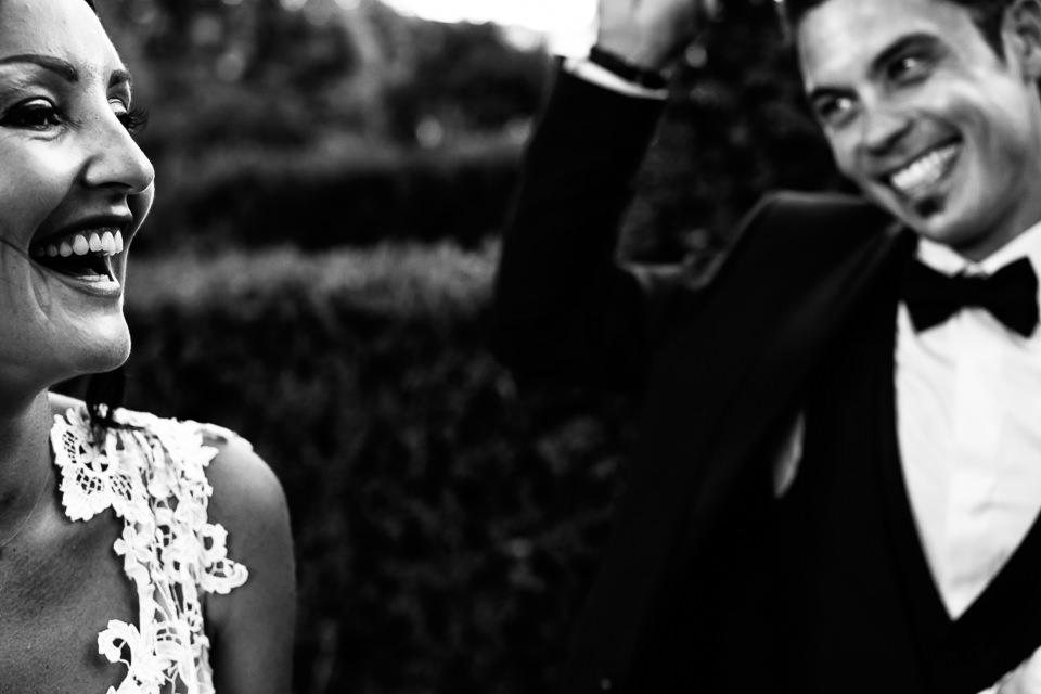 sposi sorridenti villa Scati