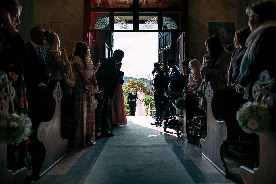 ingresso in chiesa della sposa con il padre