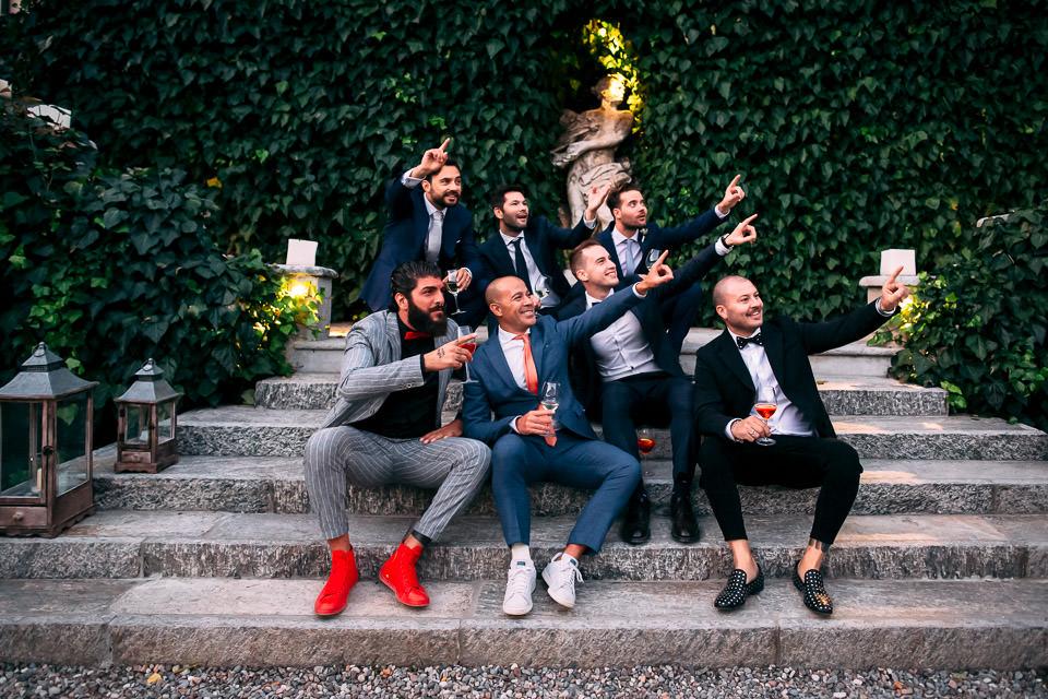 foto divertente con glia amici dello sposo