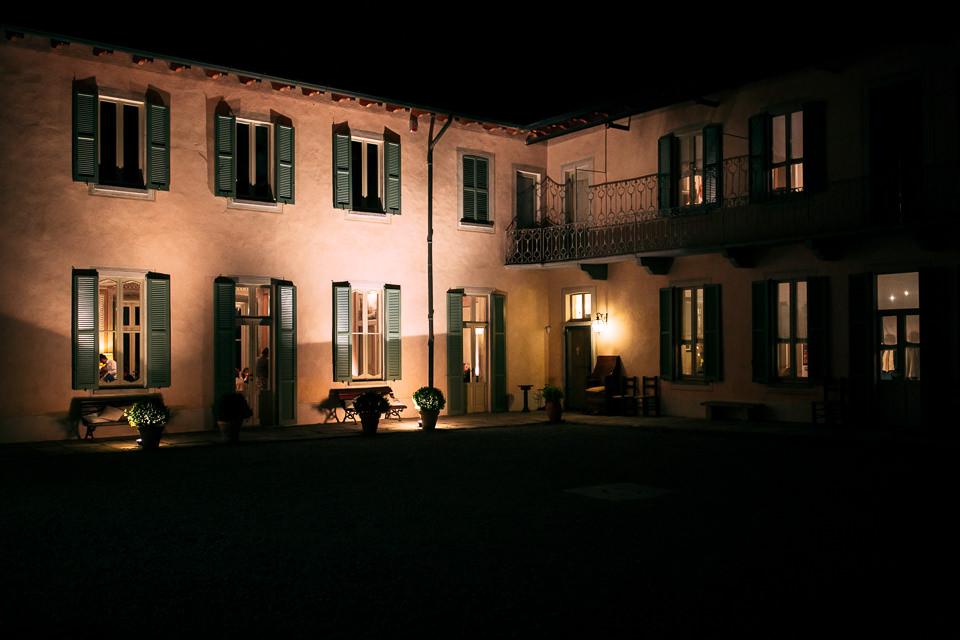 villa bossi di sera