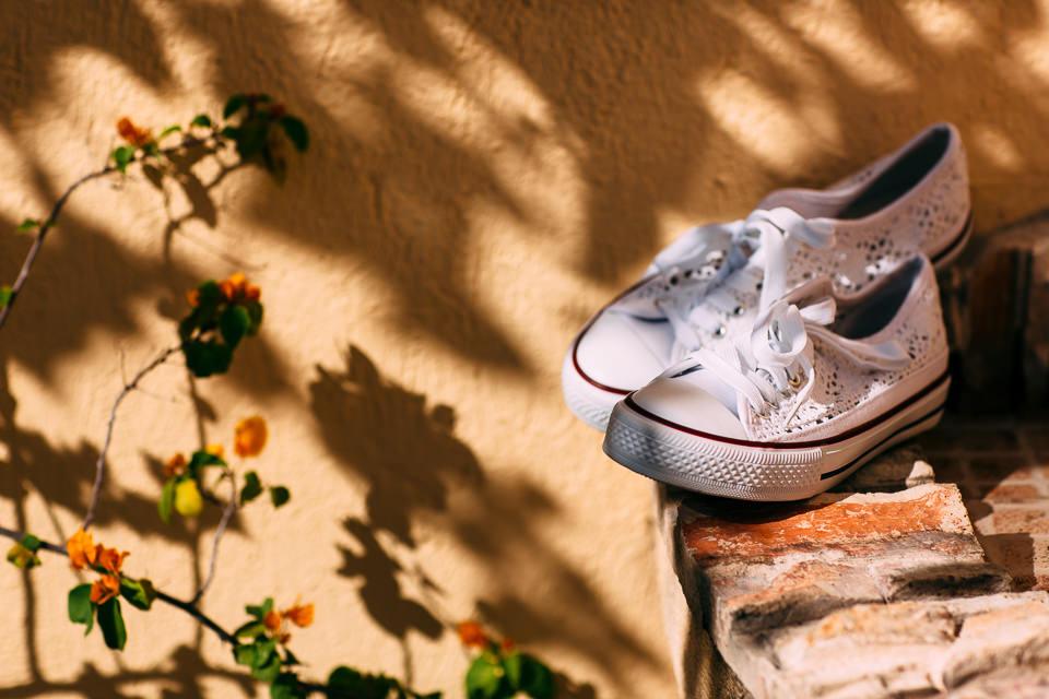 scarpe da ginnastica bianche sposa