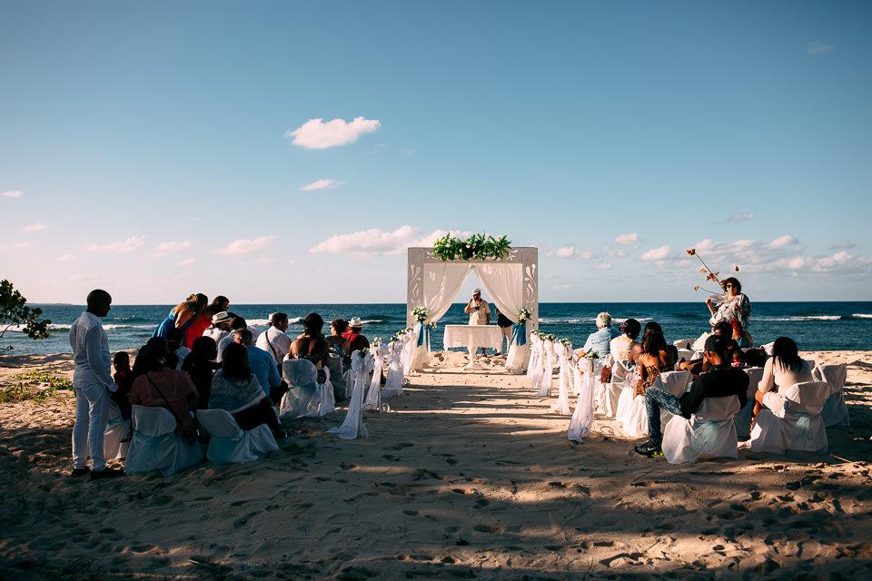 cerimonia sull'oceano a cuba
