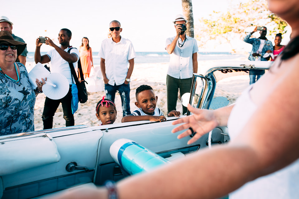 niños cubanos coche azul cadillac light blue wedding car