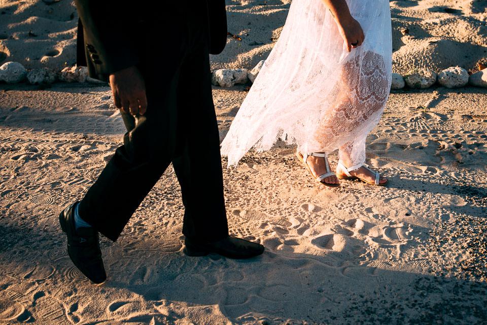 sposa in abito bianco a cuba