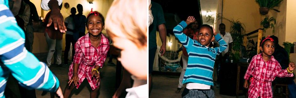 bambini cubani ballano durante un matrimonio