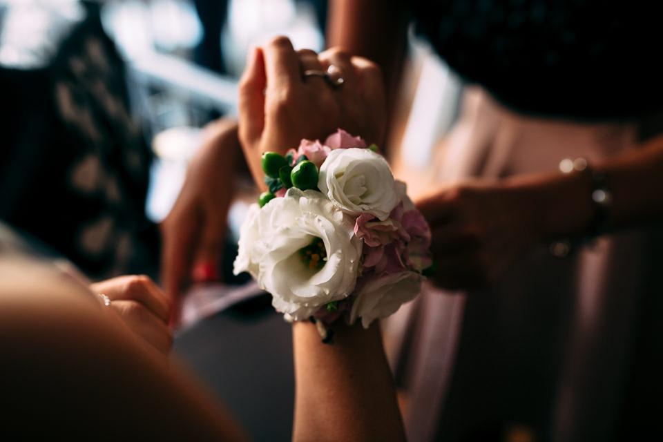 polsiera floreale damigelle matrimonio