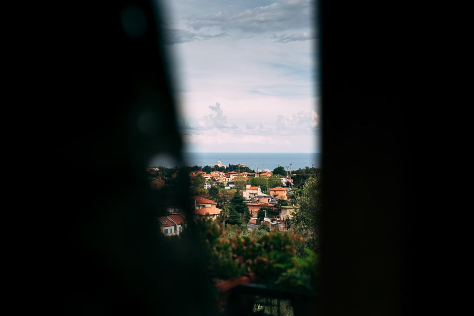 vista da una finestra di boissano
