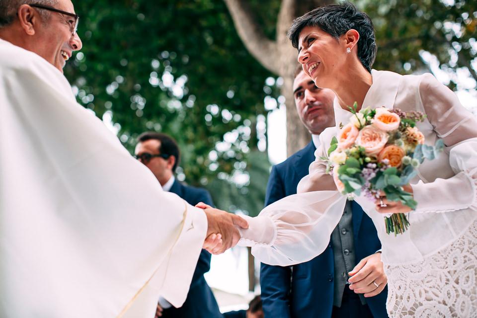 celebrazione matrimonio all'aperto nel giardino di villa faraggiana