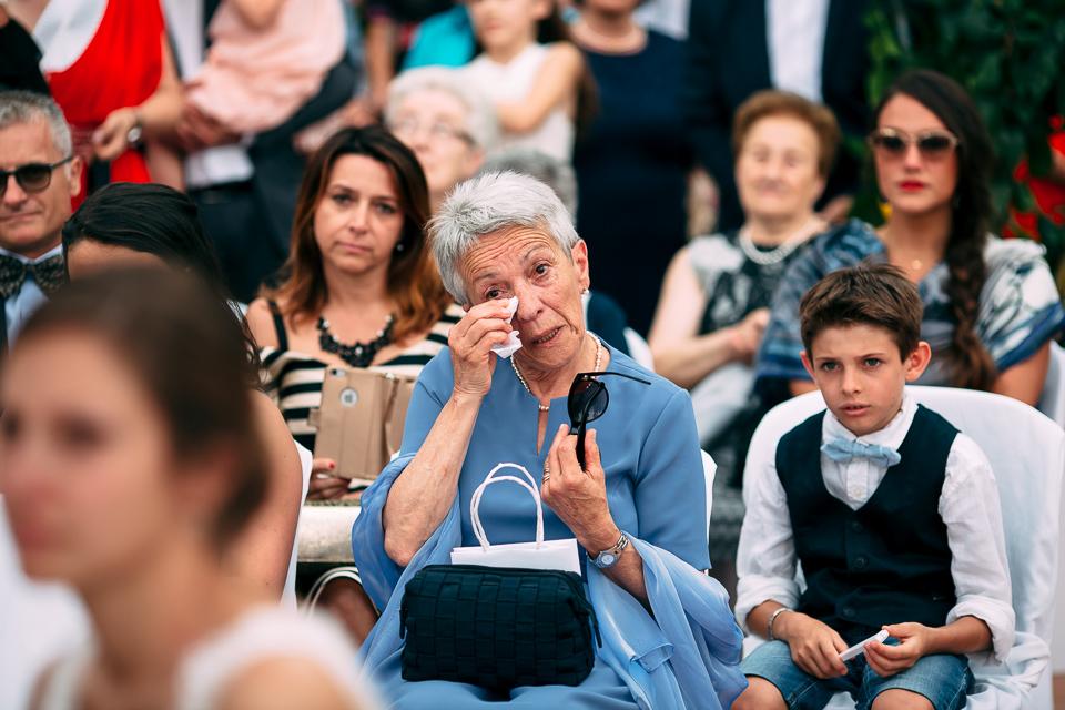 madre dello sposo in abito blu