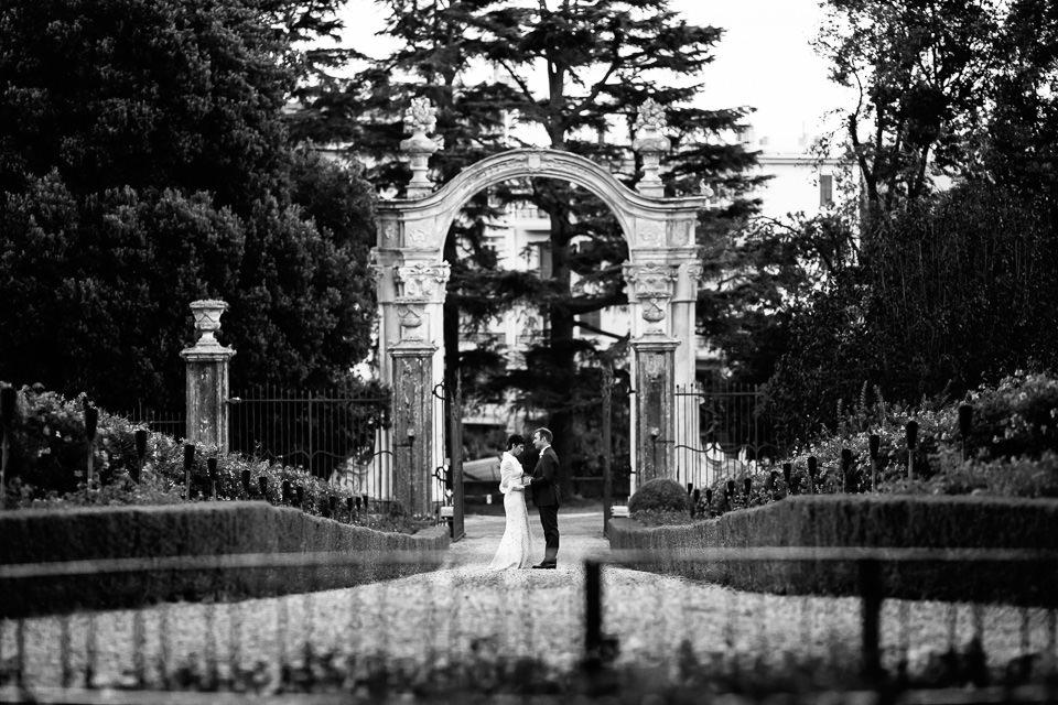 ritratti di coppia matrimonio in villa faraggiana