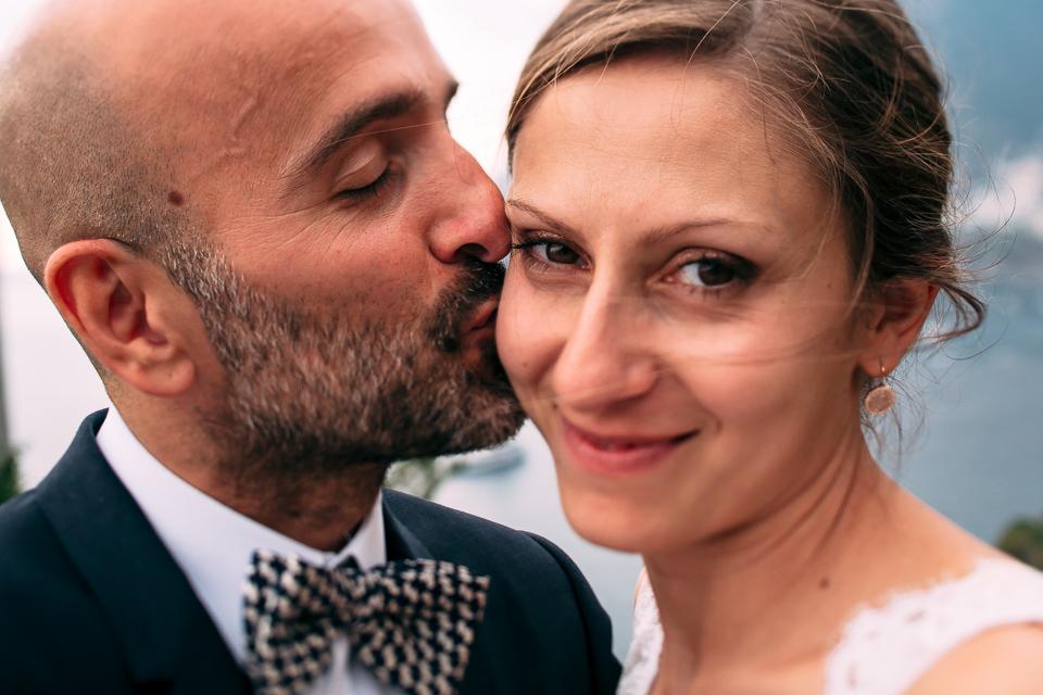 elegante coppia di sposi di varese a positano, costiera amalfitana