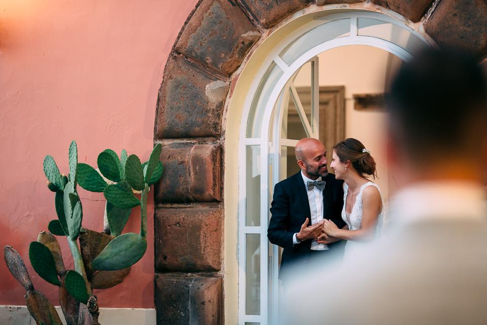 sposini fanno ingresso a villa magia