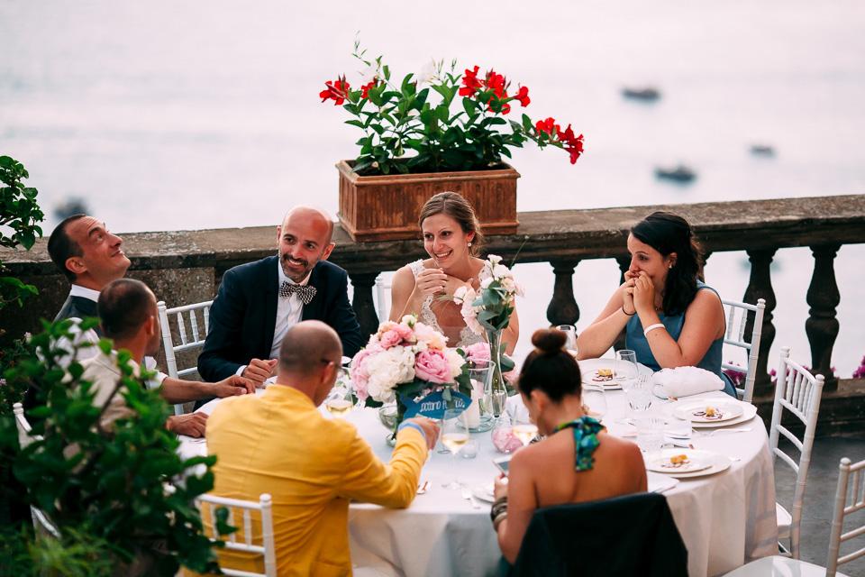 elegante matrimonio festeggiato su terrazza con vista mare a positano, costiera amalfitana