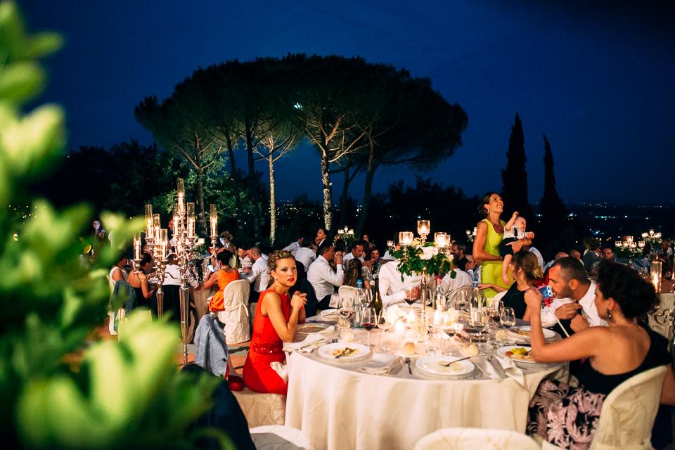 rinfresco di matrimonio serale al poggetto resort in toscana