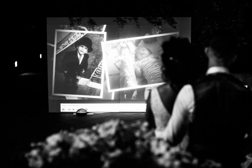proiezione filmato durante un matrimonio al poggetto resort location toscana