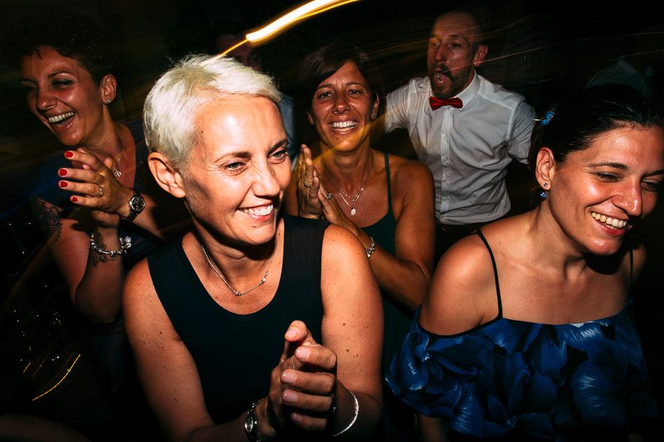balli sfrenati ad un matrimonio a villa magia positano