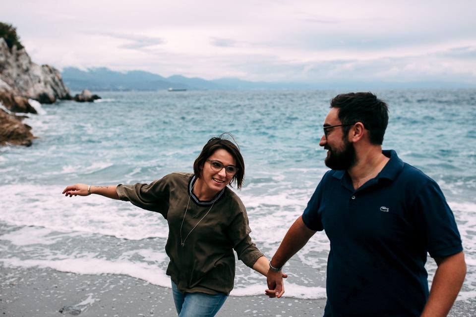 fidanzati in riva al mare