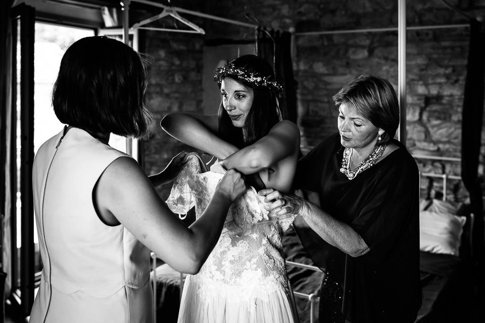 sposa in abito bianco matrimonio nelle langhe