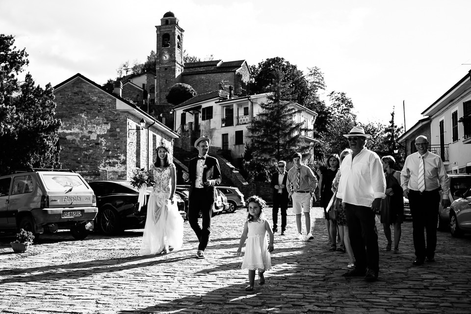 Matrimonio In Langa : Intimo matrimonio a cascina langa di sabrina e jakob da