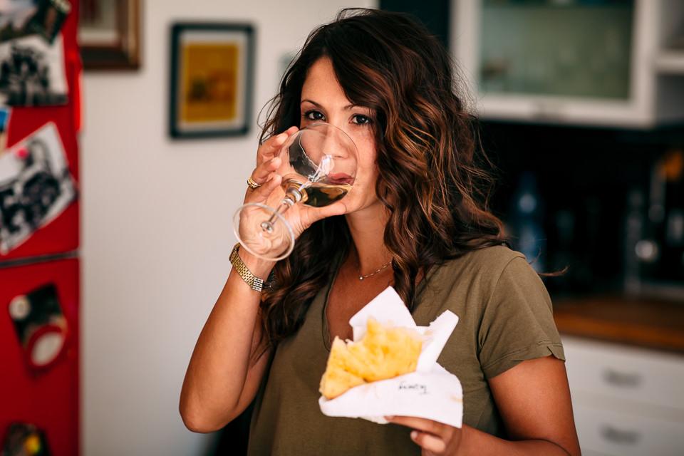 sposa mangia la facaccia