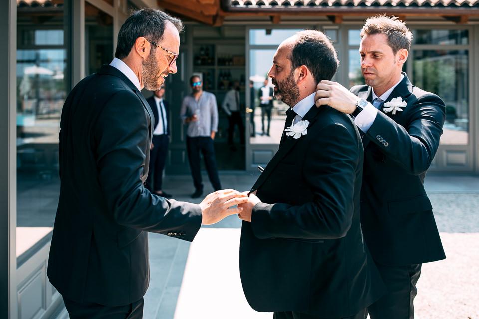 lo sposo con gli amici