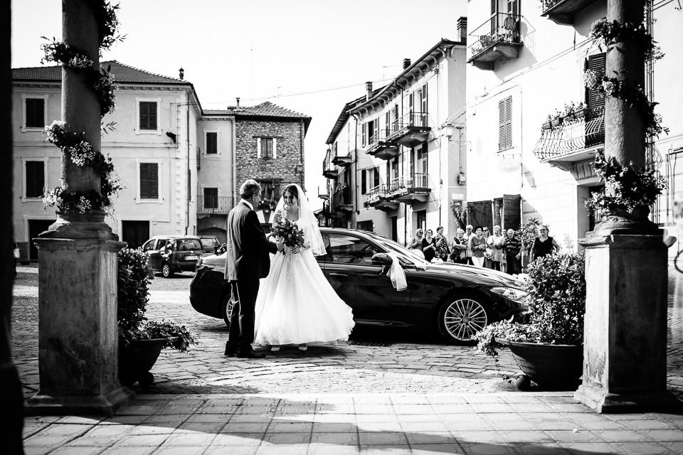 arrivo della sposa in chiesa col papà