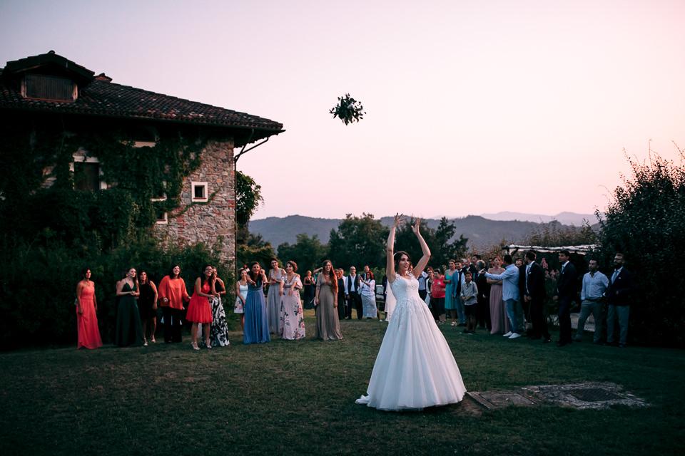 lancio del bouquet a cascina bozzetti nel monferrato