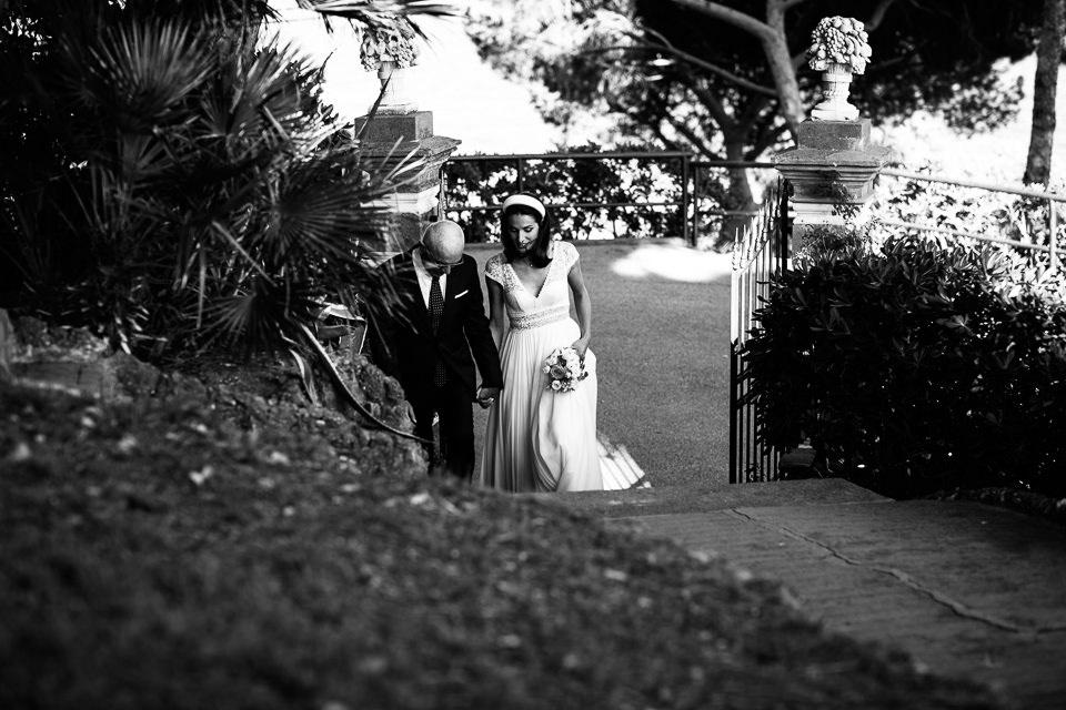 l'arrivo della sposa con il padre
