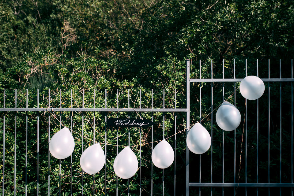 palloncini bianchi a villa limoni alassio