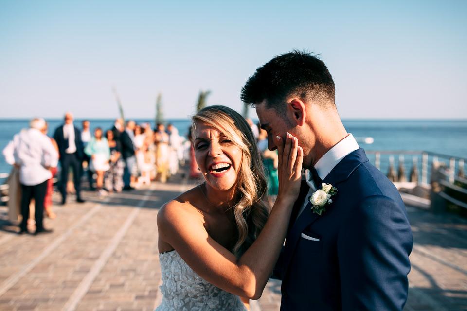 sposi sorridenti a spotorno