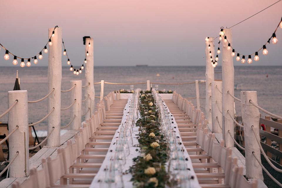 tavolata imperiale sul molo dei sirio beach di spotorno